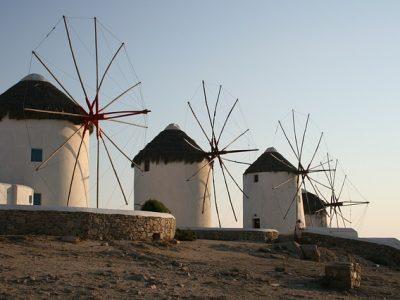 windmills-613459_640