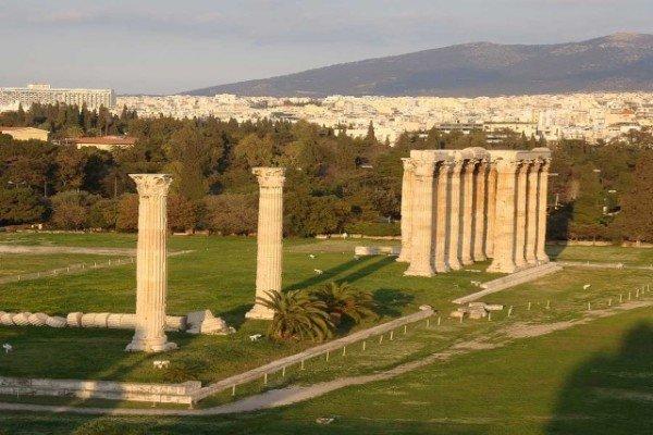 The-Temple-of-Olympian-Zeus-600x400